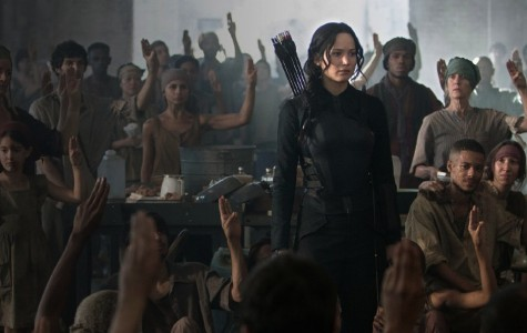 Katnis Everdeen (Jennifer Lawrence) is in the middle of the rebellion in