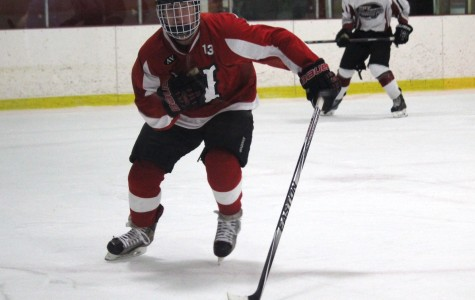 Poulin, Busconi stand out as Raiders hockey team improves to 5-2-2