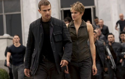 Shailene Woodley (right) and Theo James star in