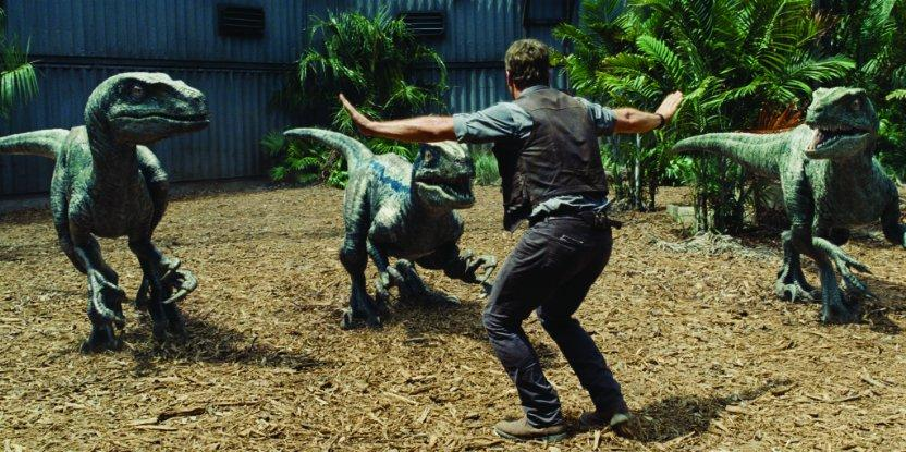 Chris+Pratt+is+surrounded+by+the+real+stars+of+%22Jurassic+World%22.