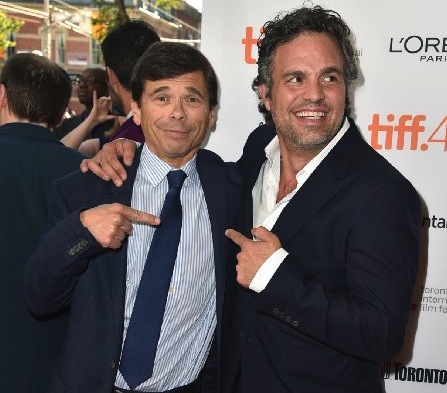 Michael Rezendes (left) and Mark Ruffalo try to figure out which one is the actor and which one is the Boston Globe journalist at an event promoting the film