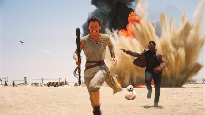 %22Star+Wars%3A+The+Force+Awakens%22+follows+Rey+%28played+by+Daisy+Ridley%29+and+Finn+%28John+Boyega%29+on+an+epic+adventure+across+the+galaxy.