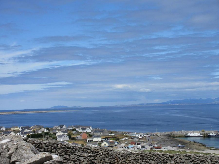 A view from one of the Inisheer roads that are open for hikers and bicyclers to take around the island.