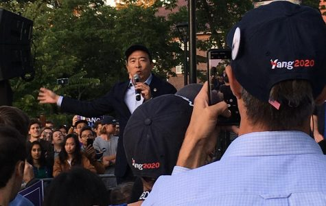 Andrew Yang draws a crowd on Cambridge Common