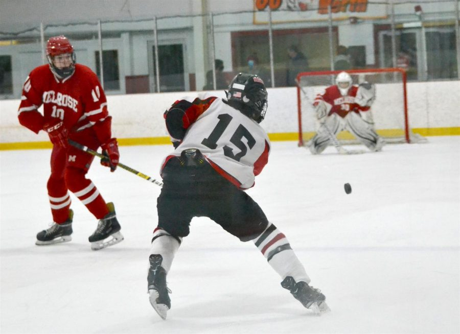 Watertown High School boys' hockey tripped up by Melrose