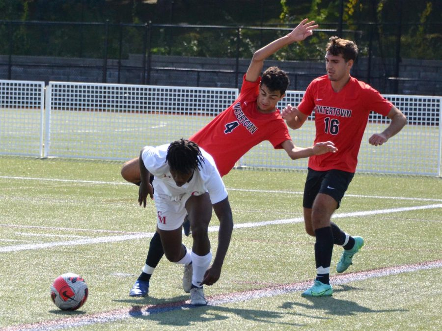 Watertown High boys' soccer upended by Catholic Memorial